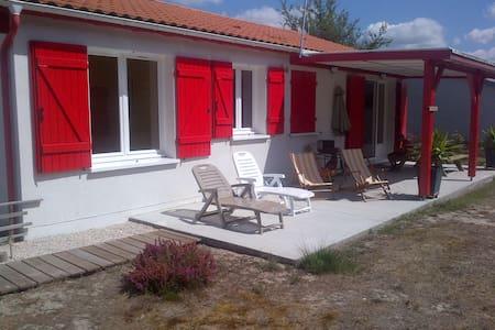 Contis plage à 5 mn, maison neuve et confortable - Saint-Julien-en-Born