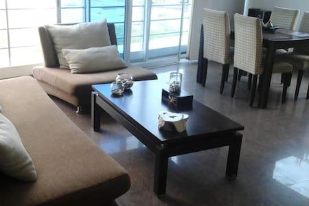 Moderno apartamento en Salinas - Lakás