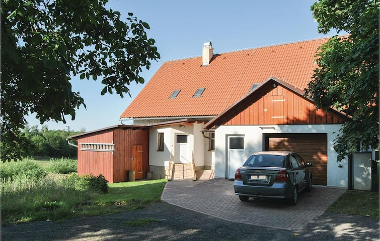 Semi-Detached with 3 bedrooms on 110m² in Rokytnice