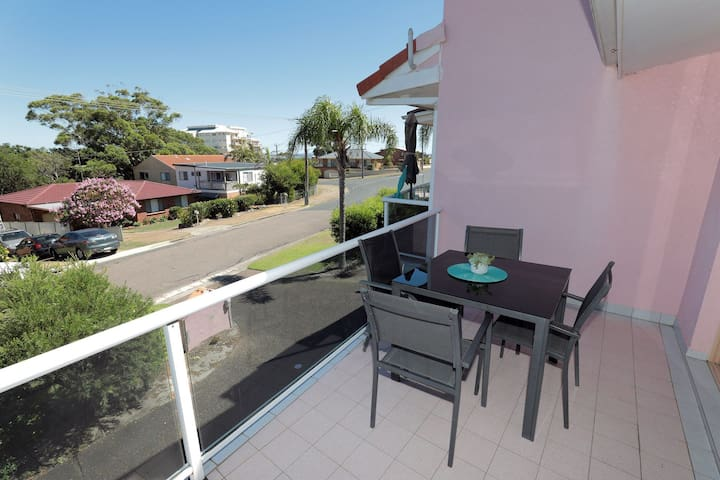 4 'Frangipani' 30 Leonard Avenue - spacious townhouse