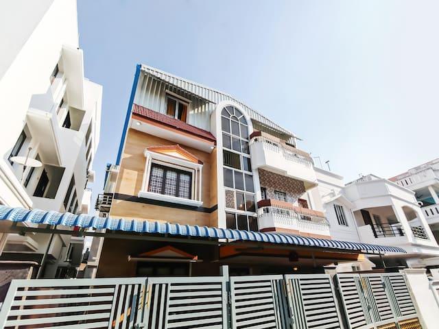 Lavish 1BR Homestay, Pondicherry - Exclusive Offer!