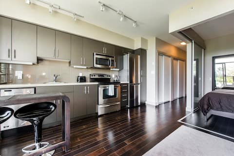 Burnaby Mountain Suite With A View