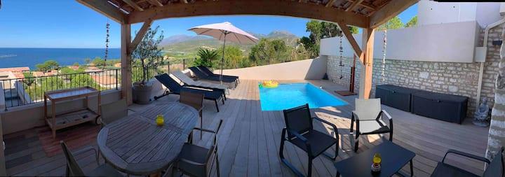 Maison avec piscine et vue époustouflante