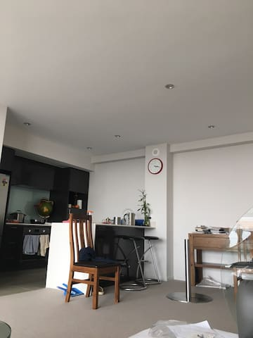 Ensuite room in new apartment with river view - Rivervale - Pis