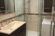 Luxury Apartment 25 min to Fair with Kitchen