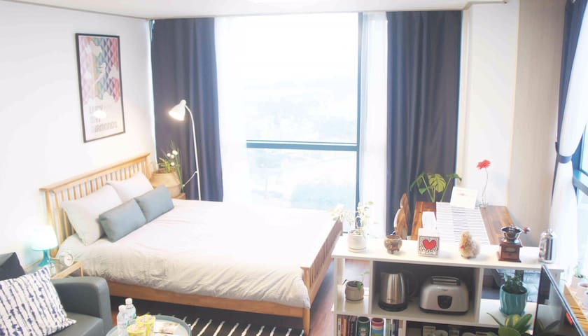 LucyHouse,10 min to GimpoAirport,20 min to hongdae