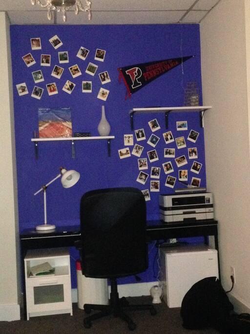 Workspace, Printer, Mini fridge