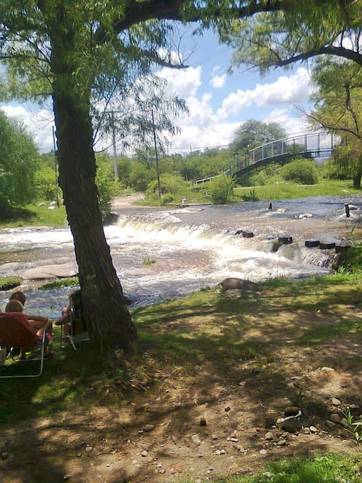 rio Los Sauces a media cuadra