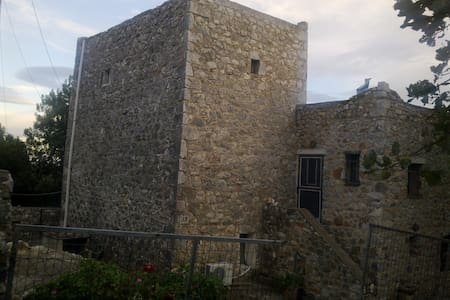 Μiki's Castle with amazing view - Lagia - Casa