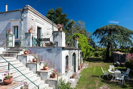 18th C. Sicilian Retreat with garden and terraces - Riposto - Вилла