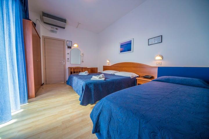 Ciccio Room vicino al mare a Misano Adriatico