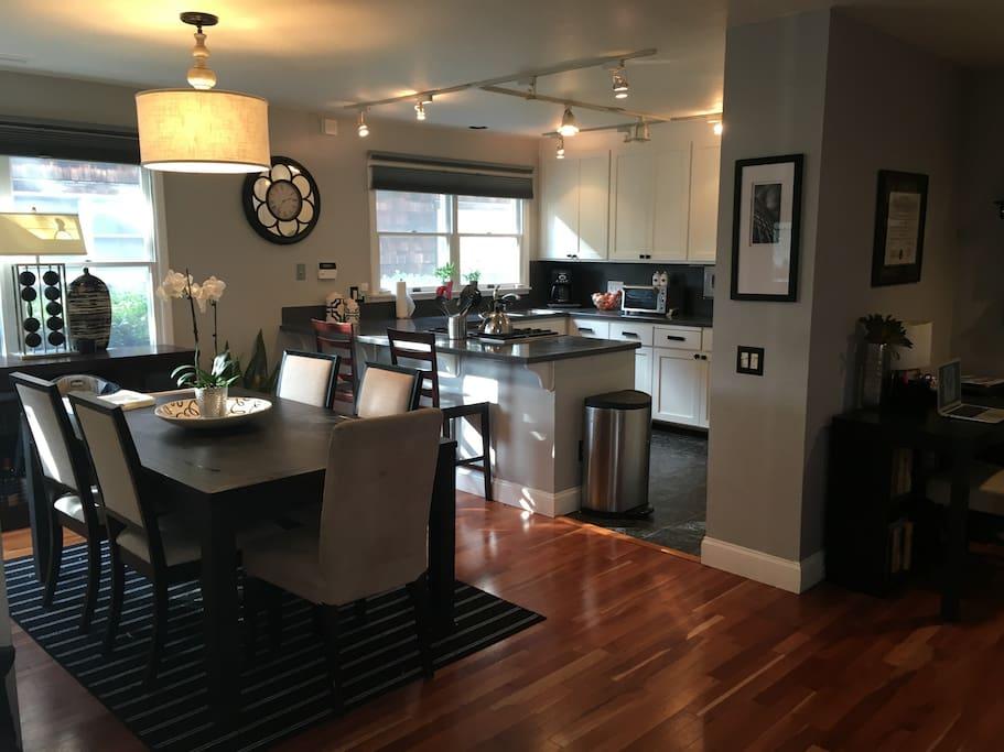 Full gourmet kitchen!