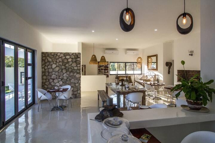 Karoo Retreat -4 Bedroom Villa