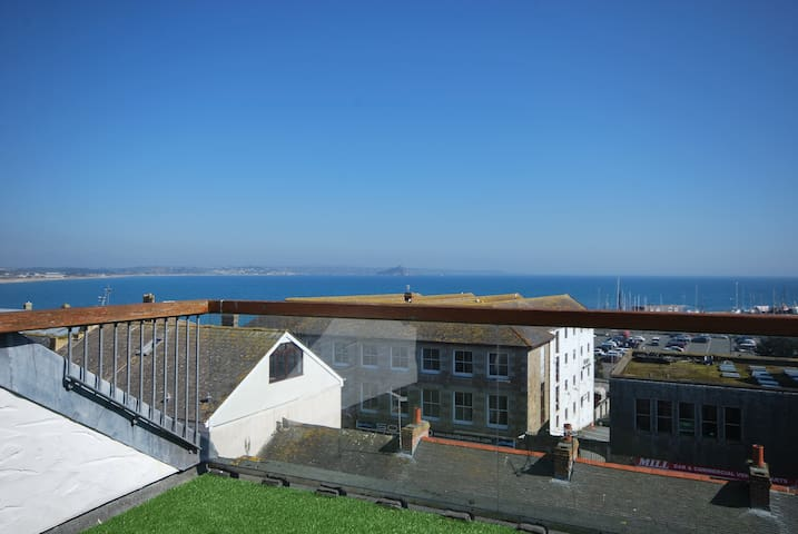 Stunning Views Over Mounts Bay - Penzance - Byt