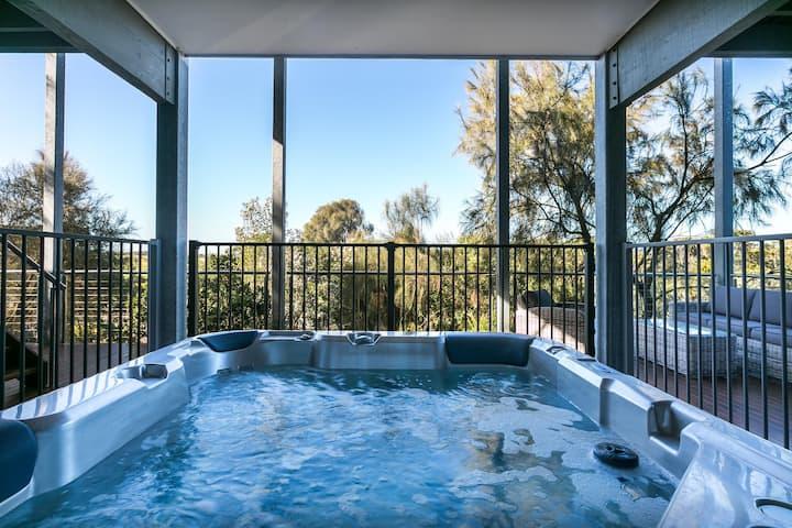 Bella Vista: luxury, views & hot tub
