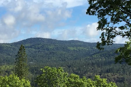 Family- friendly house with a view - Grass Valley - 獨棟