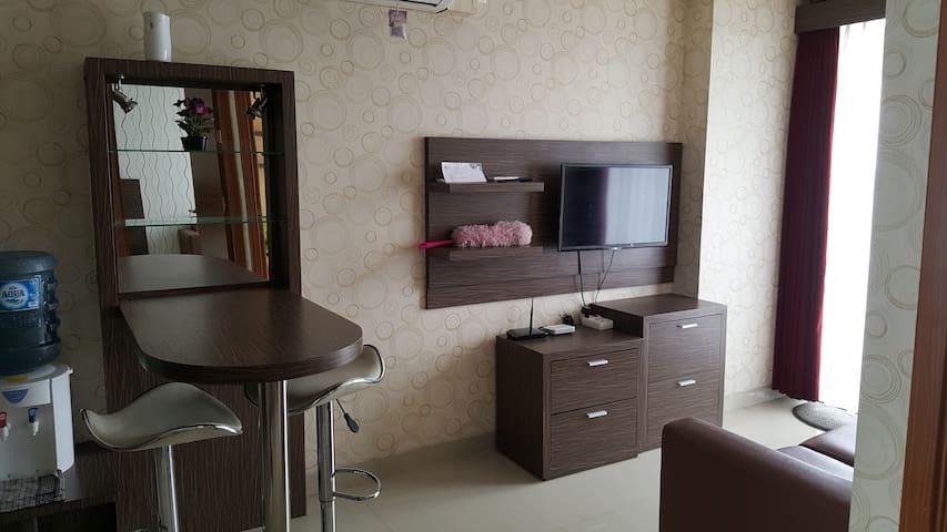 Cozy Apartment Beverly Hill Dago Bandung