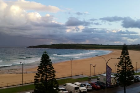 On beach, best view, Maroubra - Huoneisto