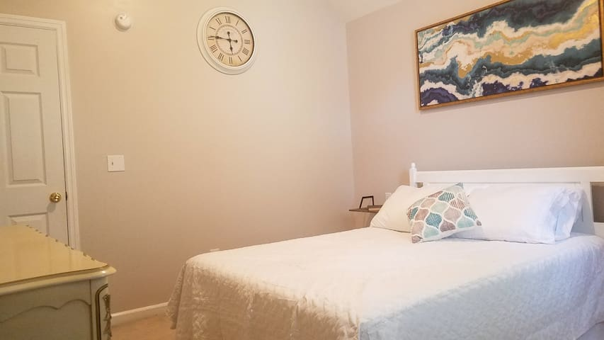 Living the Dream: 3 room Suite on James Island