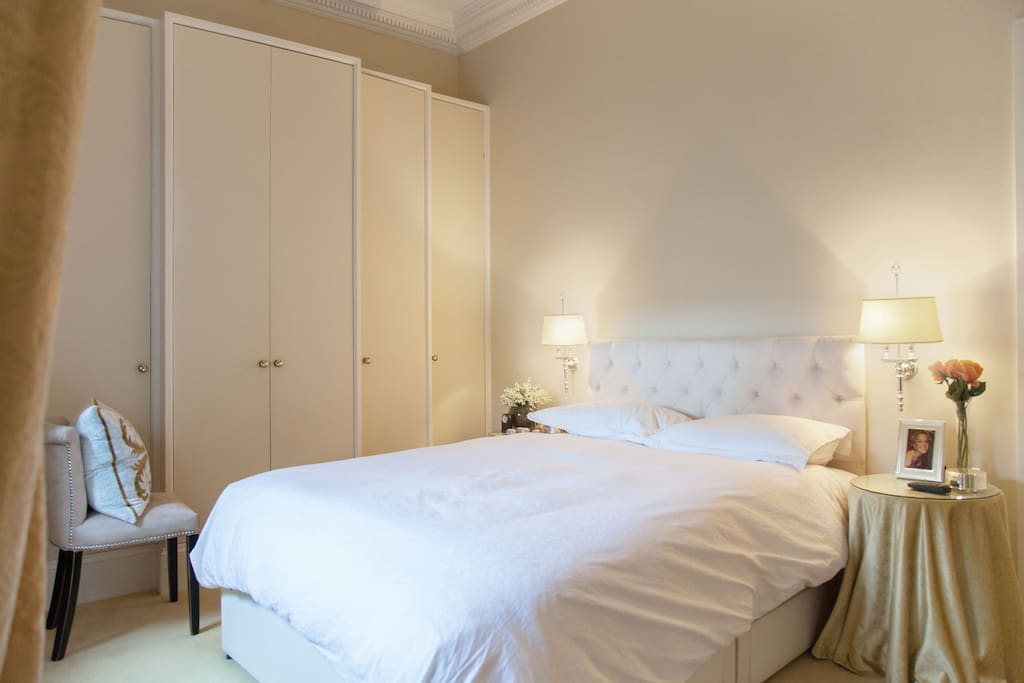 A wonderful master bedroom with a fabulously comfortable king size bed.