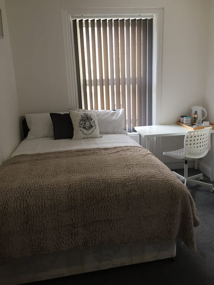 F- Master Double Room In King's Cross St Pancras