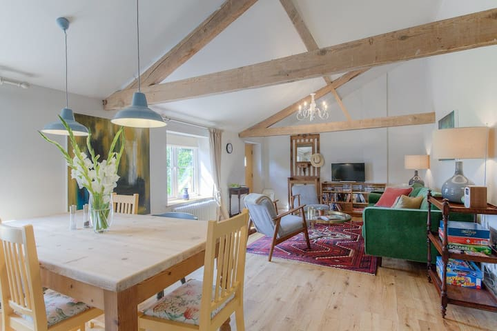 Beautiful 2 bedroom Loft on Suffolk Norfolk border