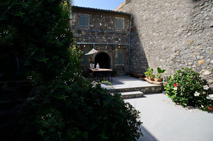 Ellie's loft, Corfu. - Sinarades - House