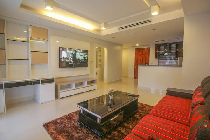 VIP Apartment with big Kitchen. Private. Central. - Krong Siem Reap - Apartament