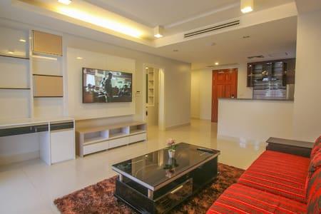 VIP Designer Apartment. Big Kitchen. Private. - Krong Siem Reap