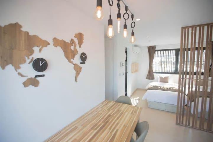 ★[NEW]JOY HOUSE #4( 3 MIN + Big Balcony + Wifi)