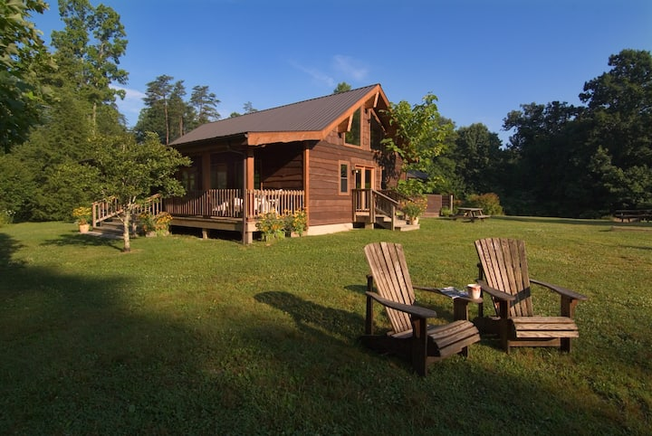 Solar-powered Sleeps 20 Next to New River WV gorge