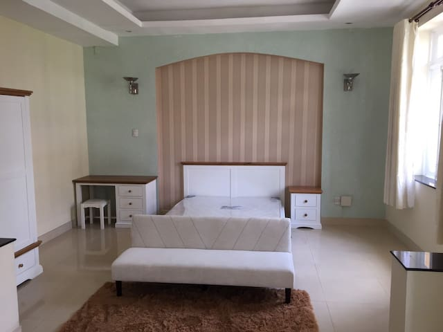 Servied Apartment in Peacefull place (District 2)