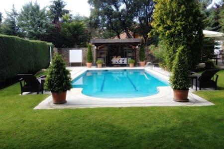 Luxury Villa in NW Madrid, ideal familias ,eventos - Las Rozas