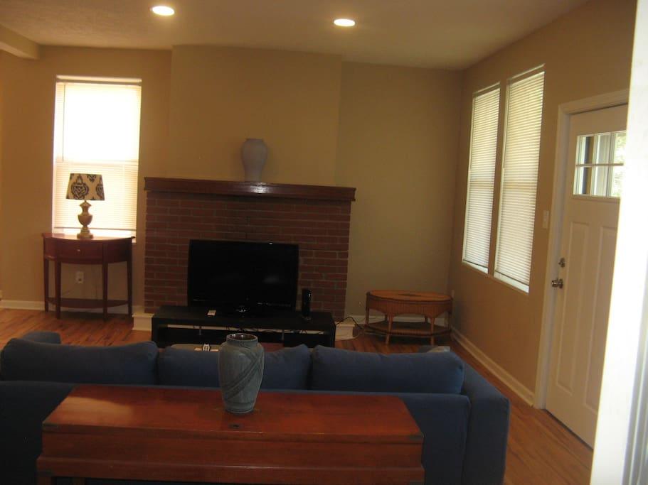Living Room - Entry