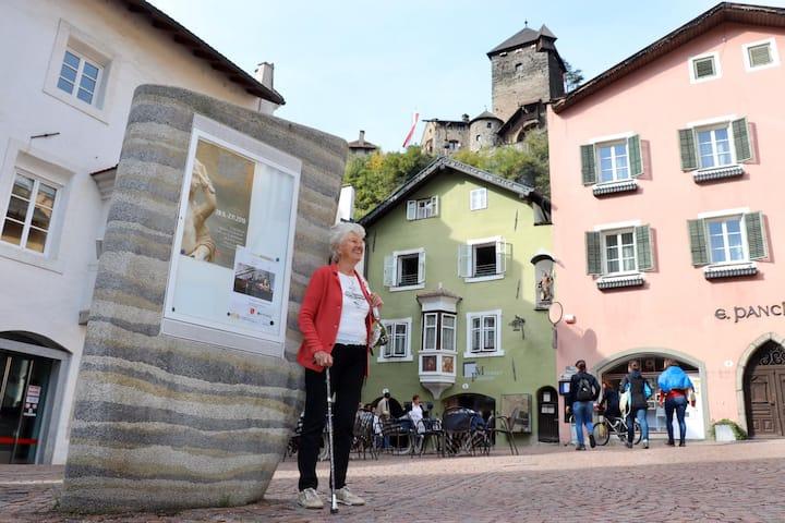 Zweizimmer-Wohnung mit Schlossblick