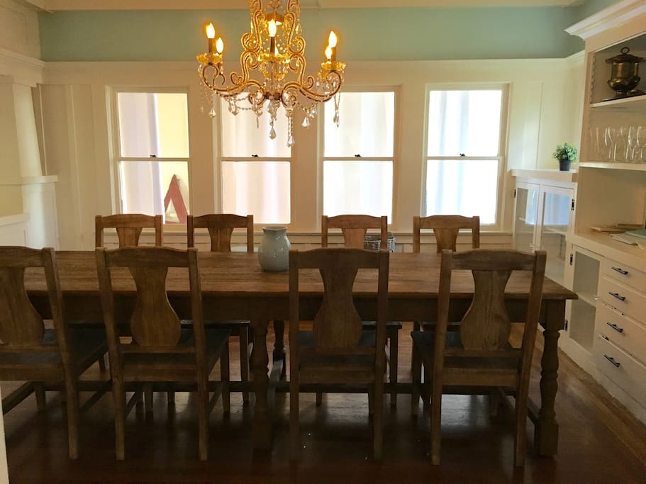 Plenty of room at this 9' long table for friends and family to gather!