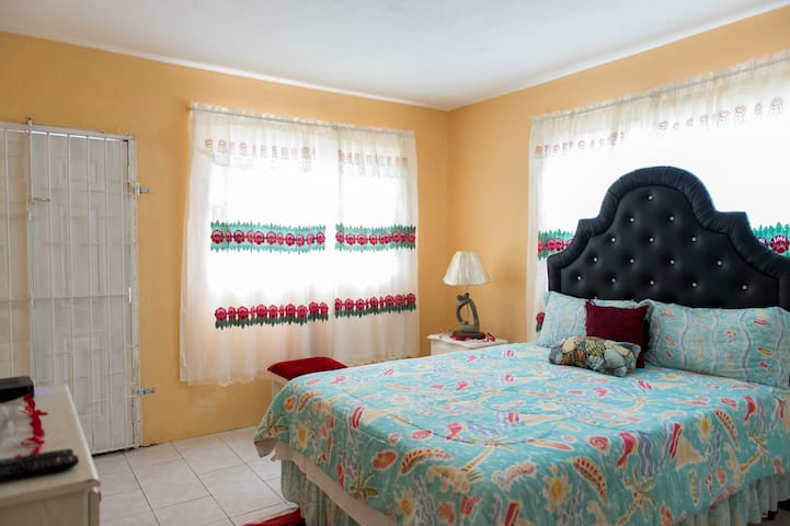 Mable Rooms - Montego Bay - House