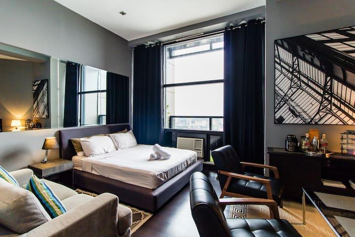Cool Elegant Gramercy 64F Penthouse Suite Promo!!