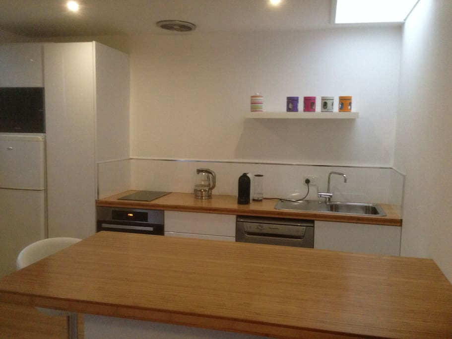 Fully equipped Kitchen with dishwasher,fridge and Meile combi oven, plus large gas heater