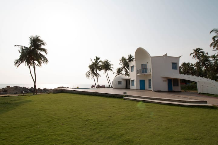 Udupi Homestay: Luxury Beach House with Pool