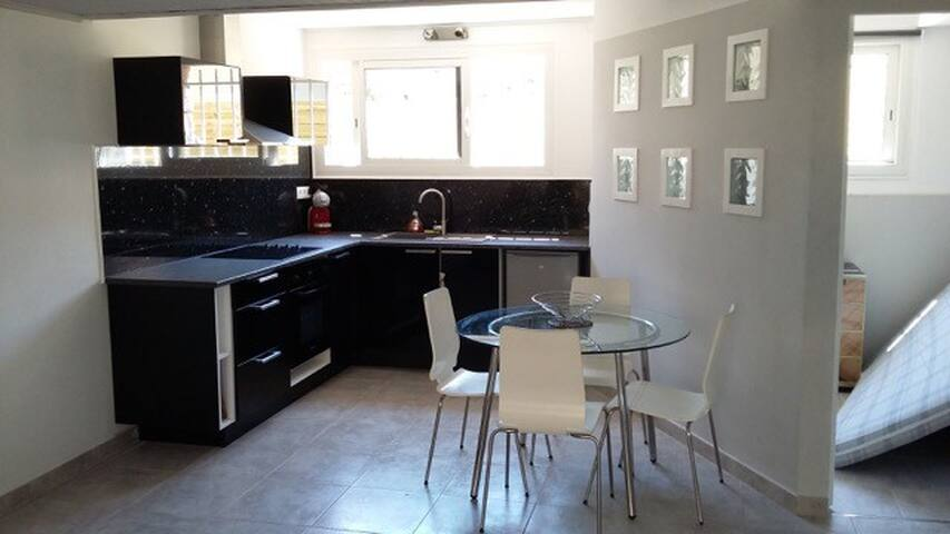 New Charming 62m2+ Garden Cannes - Cannes - Huis