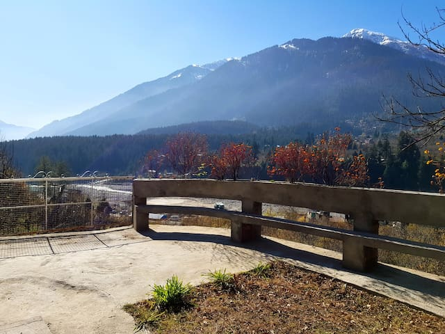 Stay in Buddhist house and explore Manali
