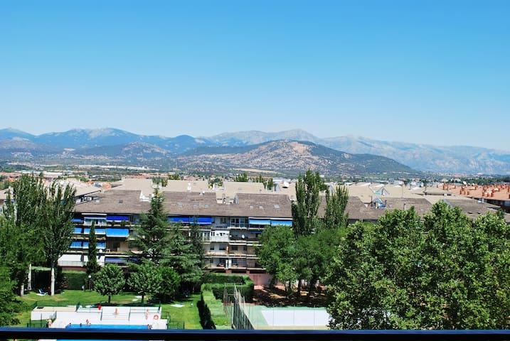 Espacioso dúplex con vistas a la sierra Guadarrama