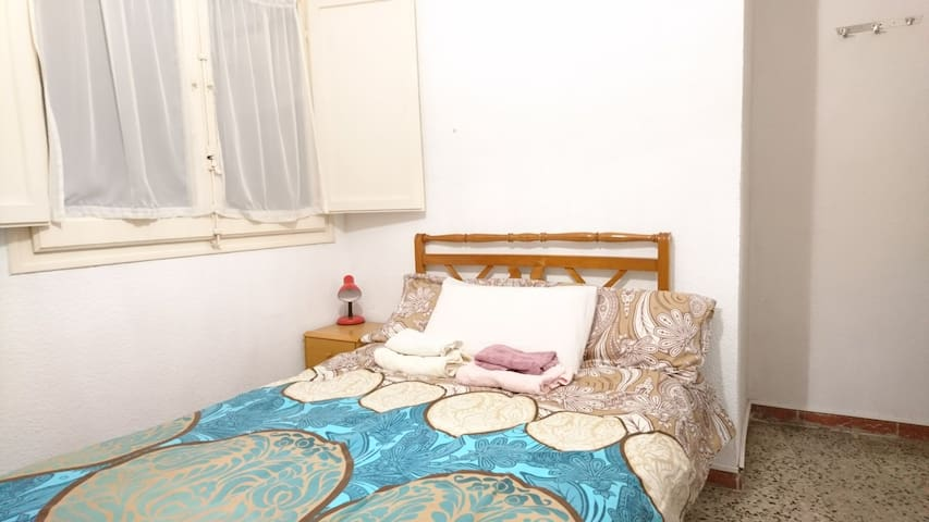 Ideal Room to rest, in the center of Tarragona.