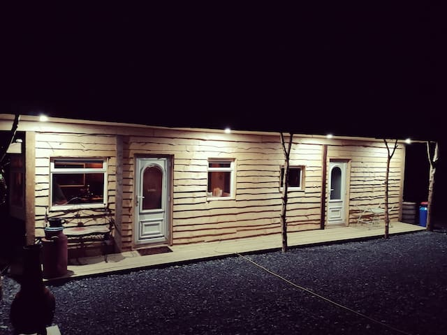 Cosy Couples Cabin, 15 minutes from carlingford