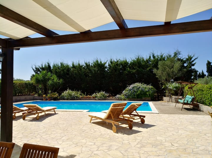 Residenza Lilium con piscina