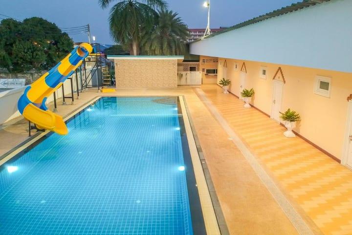 Hua Hin Town Center Pool Villa - Paemai