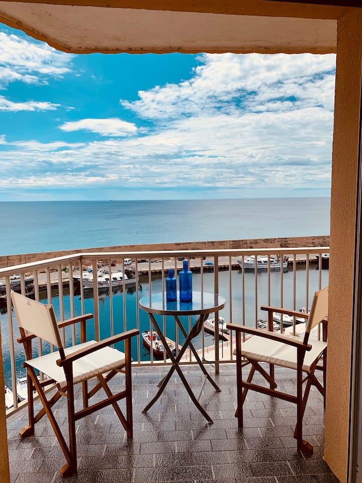 Apartamento con magníficas vistas al Mediterráneo