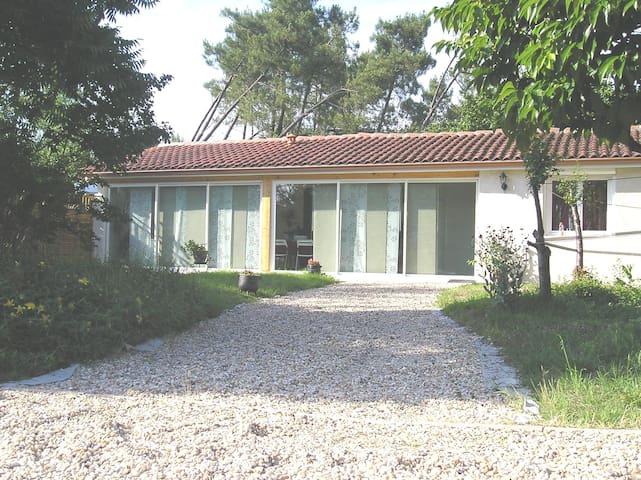 Maisonnette au calme, avec terrasse
