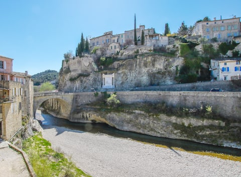 Apartment Pont Romain